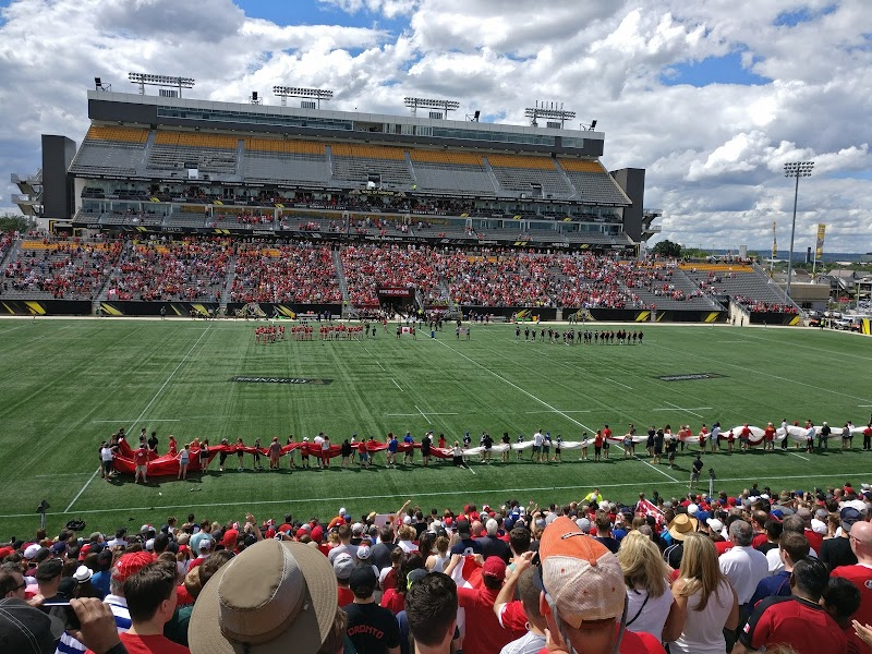 รูปTim Hortons Field